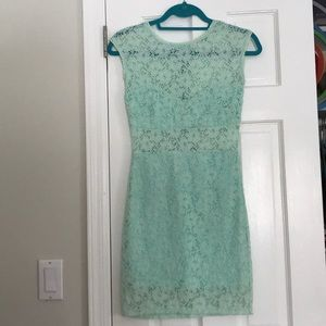 Dresses & Skirts - Mint lace body con dress